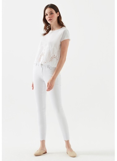 Mavi Tess Paça Detaylı  Jean Pantolon Beyaz